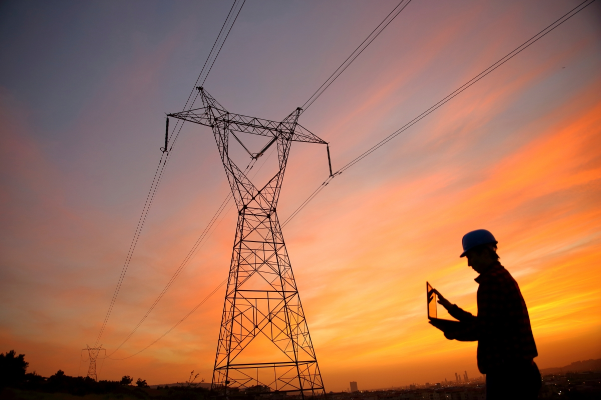 Rugged Mobile Computing for Utility Field Service Workers & Technicians — When an Outage Is Not an Option